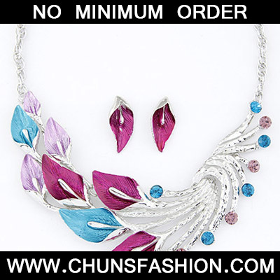 Plum Red & Blue Diamond Leaf