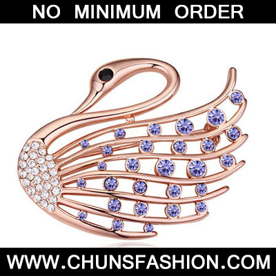 Pinkish Purple Diamond Swan Shape Crystal