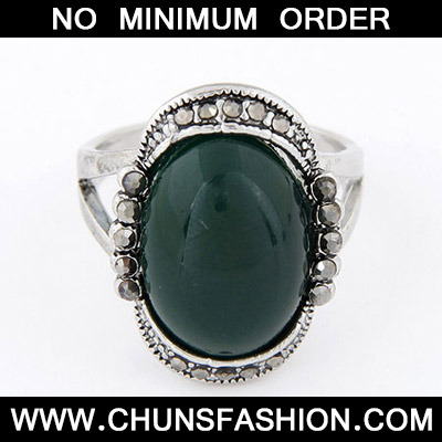 Dark Green Diamond Oval Shape Ring