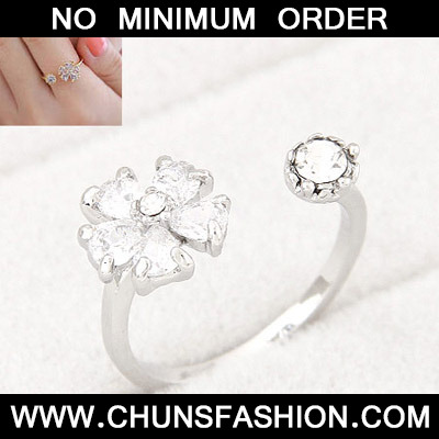 Silver Diamond Flower Ring