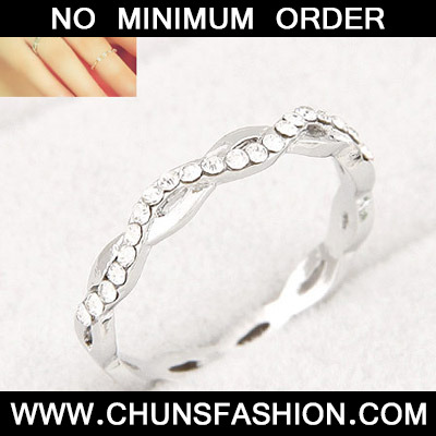 Silver Diamond 8 shape Ring
