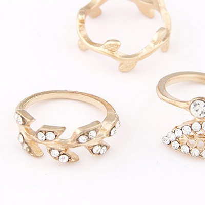 Gold Diamomd Leaf Shape Rings 3
