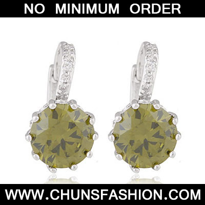 Light Green Diamond Crystal Earring