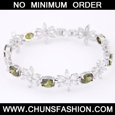 Light Green Diamond Flower Zircon Bracele