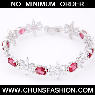 Red Diamond Flower Zircon Bracele