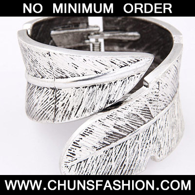 Silver Leaf Shape Bangle
