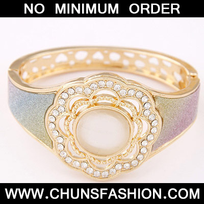 MultiDiamond Flower Bangle