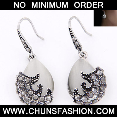 Gun Black Waterdrop Shape Earring