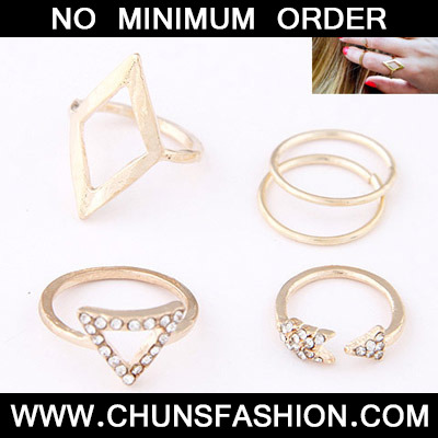 Gold Diamond Triangle Shape Rings 5pcs