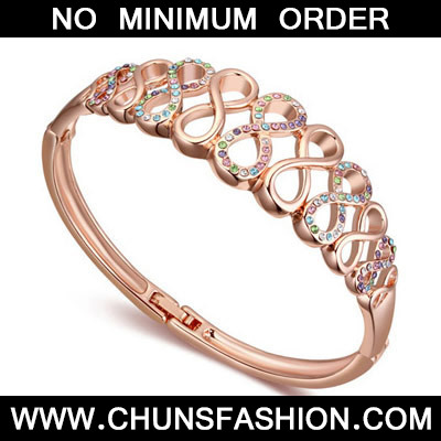 Multi& Rose Gold Diamond Eight Shape