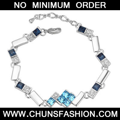 Navy Blue Diamond Geometrical Shape Crystal