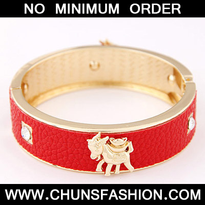 Red Sheep Shape Bangle