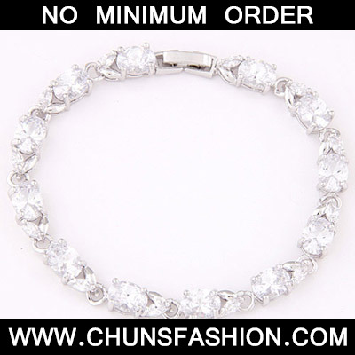 White Oval Shape Zircon Bracelet