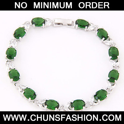 Green Oval Shape Zircon Bracelet