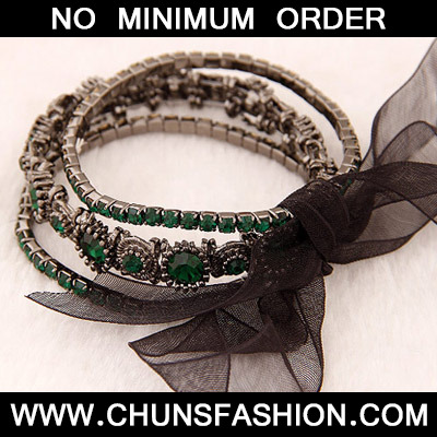 Green Diamond Bowknot Shape Bracele