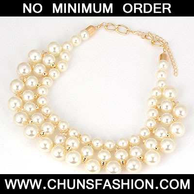 White Pearls Short Style Necklace