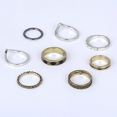 Black Diamond Geometrical Pattern Rings 8pcs