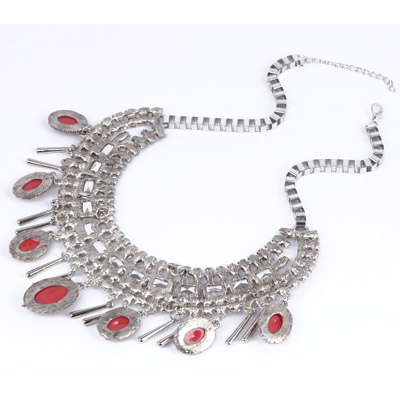 Claret red Oval Shape Necklace