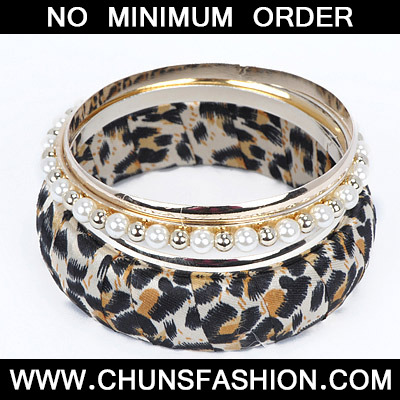 Gold Pearl Leopard Pattern Bangle