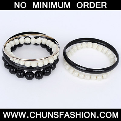 Black Pearl Multilayer Bangle