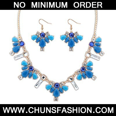 Blue Geometric Pendant Jewelry Set