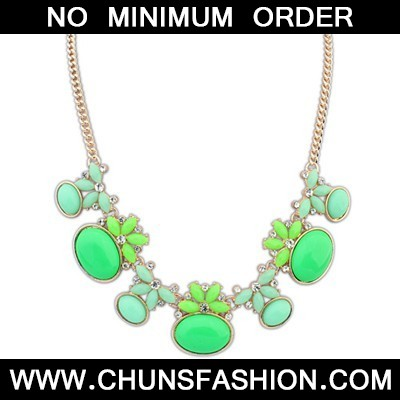 Green Geometric Shape Necklace