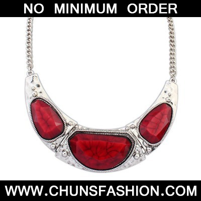 Red Irregular Pendant Necklace