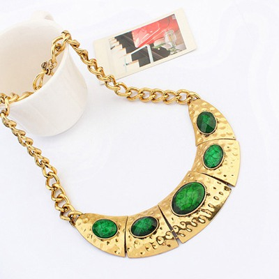 Green Half Arc Shape With Necklace