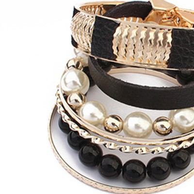 Black Vintage Hollow Out Metal Pearl