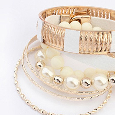 White Vintage Hollow Out Metal Pearl