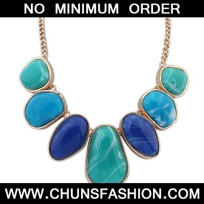 blue geometrical shape Necklace