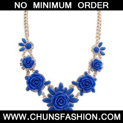 dark blue sweet flower Necklace