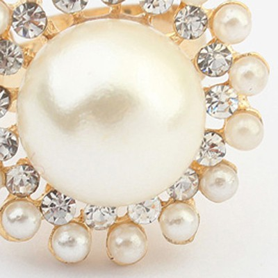 white pearl round shape Ring