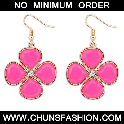 Plum Red Diamond Clover Shape Earring
