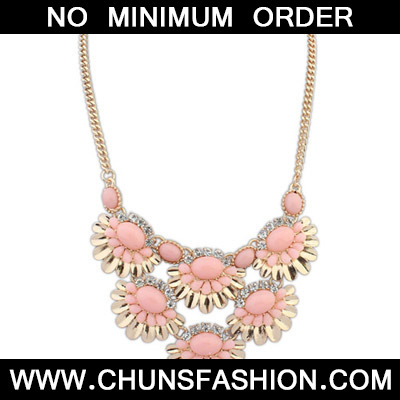 Pinl Fan shape Flower Necklace