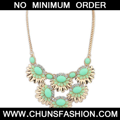Green Fan shape Flower Necklace