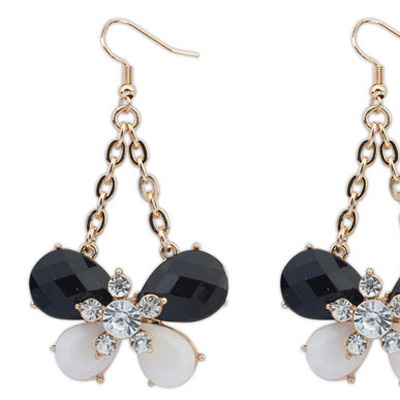 Black & White Diamond Butterfly Shape