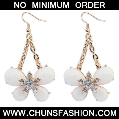 White Diamond Butterfly Shape Earring