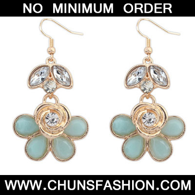 Light Blue Rose Shape Earring