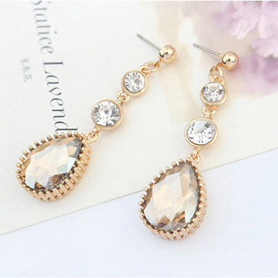 Gold Diamond Waterdrop Shape Earring