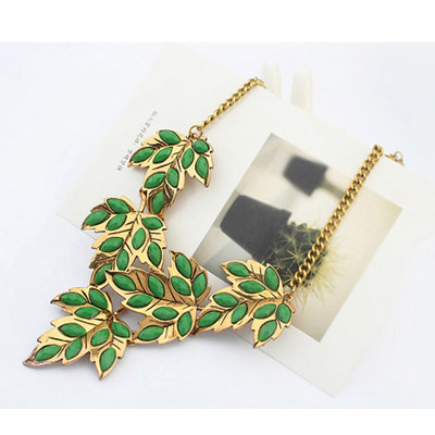 Green Maple Leaf Shape Necklace