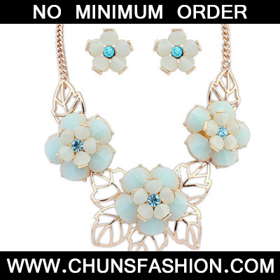 Ligth Blue Flower Jewelry Set