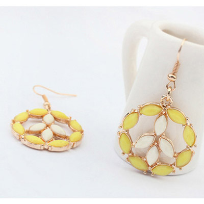 Yellow & Beige Round Shape Earring