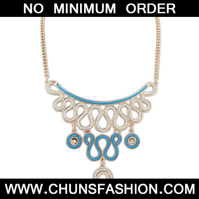 Navy Blue Diamond Geometrical Pendant Necklace