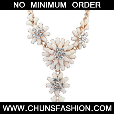 White Diamond Large Flower Necklace
