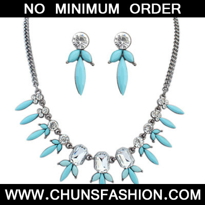 Light Blue Diamond Geometrical Shape Jewelry Set