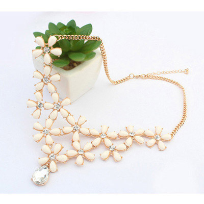 Beige Decoraed Flower Jewelry Set