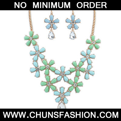 Blue & Green Decoraed Flower Jewelry Set