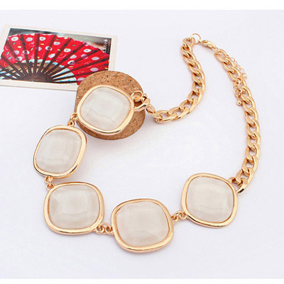 Beige Geometrical Shape Jewelry Set