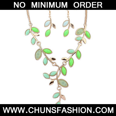 Green Leaf Shape Jewelry Set